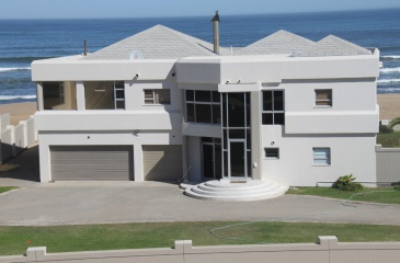 Swakopmund, Vogelstrand, 6 Bedrooms Bedrooms, ,4 BathroomsBathrooms,House,For Sale,1054