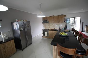 Swakopmund, Oceanview, 3 Bedrooms Bedrooms, ,2 BathroomsBathrooms,House,For Sale,1060