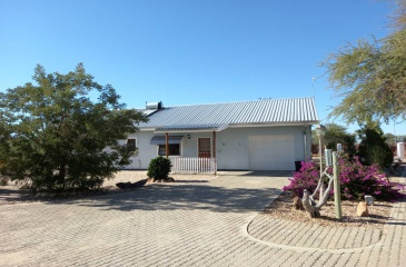 Omaruru, 2 Bedrooms Bedrooms, ,2 BathroomsBathrooms,House,For Sale,1093
