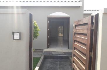 Walvis Bay, Fairviews, 3 Bedrooms Bedrooms, ,4 BathroomsBathrooms,House,For Sale,1122