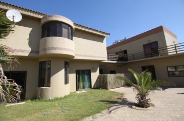 Swakopmund, Vogelstrand, 5 Bedrooms Bedrooms, ,4 BathroomsBathrooms,House,For Sale,1038